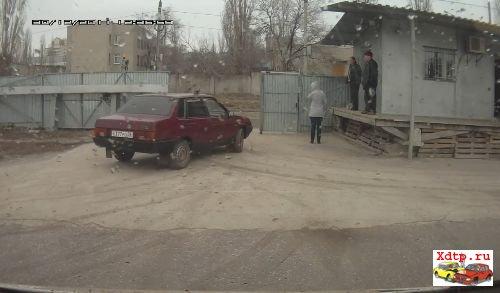 Ваз против мусоровоза в Челябинске