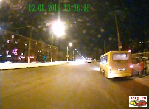 Пешеход спровоцировал вылет с дороги