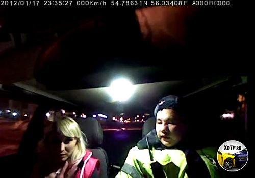 В Уфе нетрезвая девушка-водитель устроила дебош