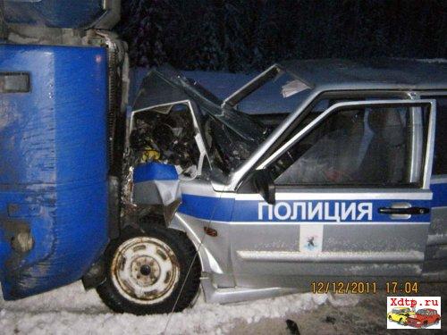 Тягач Renault Magnum против ДПС ВАЗ-2114