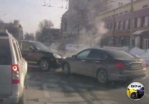 ДТП в Киеве, Porsche Cayenne против Nissan Teana