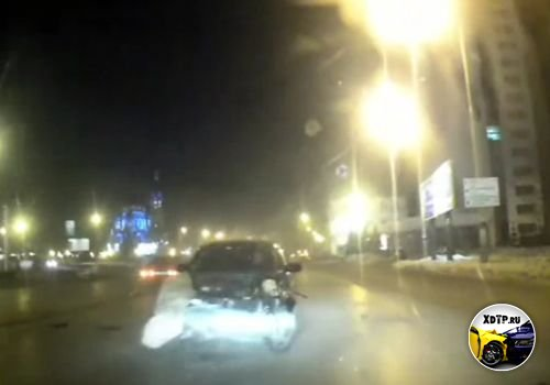 ДТП в Омске, автомобиль вынесло на встречку