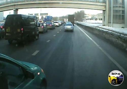 ДТП в Москве, Toyota Yaris обиделся