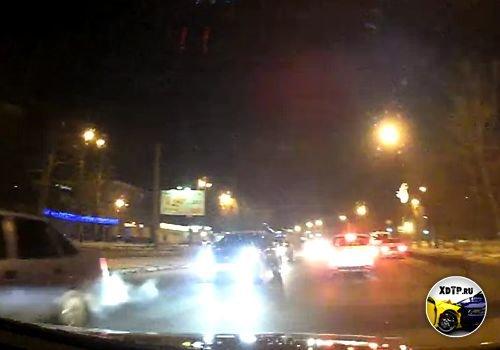 ДТП в Екатеринбурге, Хонда немного цепанула встречку
