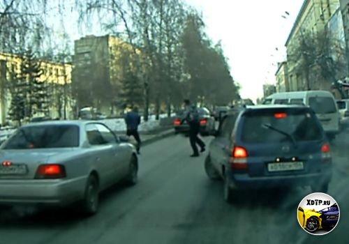 Драка водителей в Новосибирске, Красный проспект