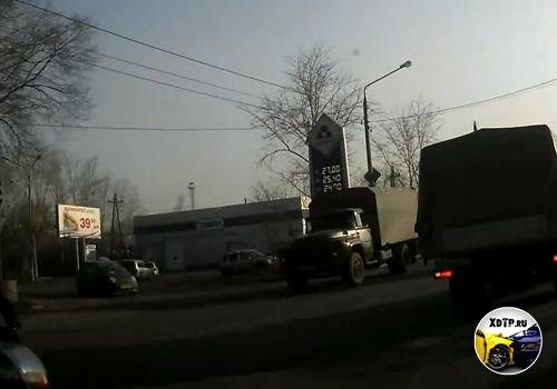Авария в Красноярске, не смотрит по зеркалам