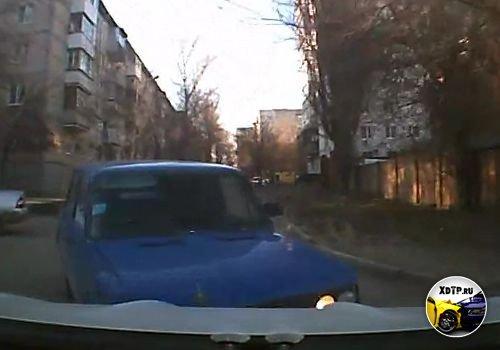ДТП в Ростове-на-Дону, пьяный на шестёрке, решил повернуть