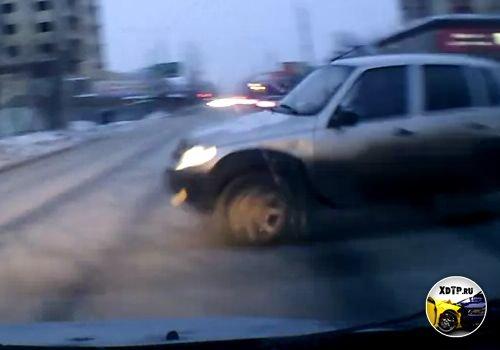 Авария в Архангельске, резкая Нива