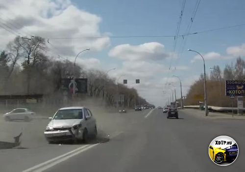 Авария в Кемерово, поворот налево.