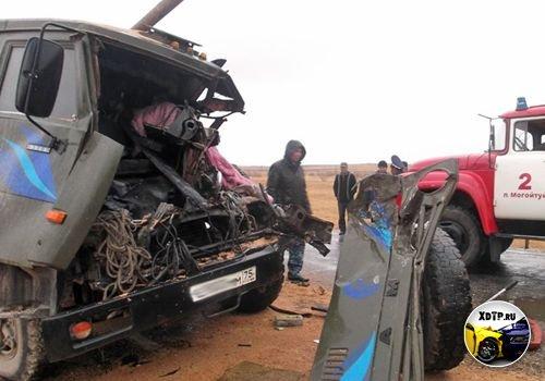 Авария на трассе Чита-Забайкальск 229км, столкнулись два Камаза