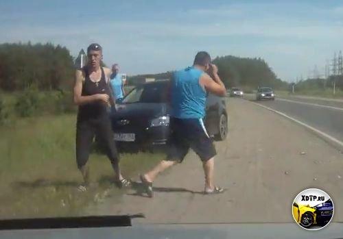 Попытка подставы, агрессивные гопники за рулём