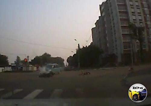 Авария в г. Благовещенск, ВАЗ не пропустил мотоцикл