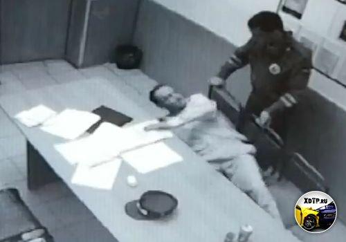 Сотрудник Гатчинского ДПС сломал человеку руку, Лен. Область