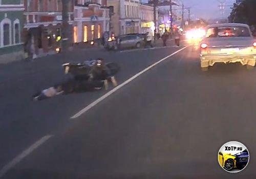 В Ижевске, мотоциклист сбил ребёнка и мужчину на зебре