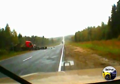 Авария на трассе Новая Ладога - Санкт-Петербург, колёса в атаке!