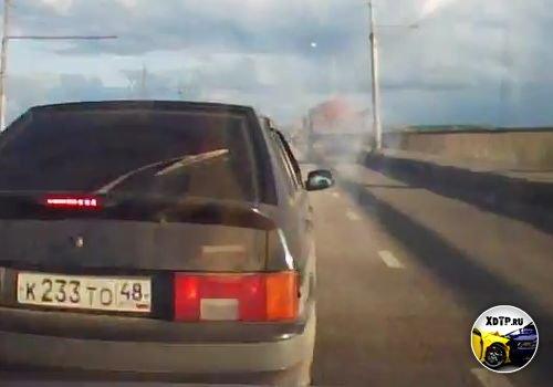 Авария на мосту, паровоз из трёх машин