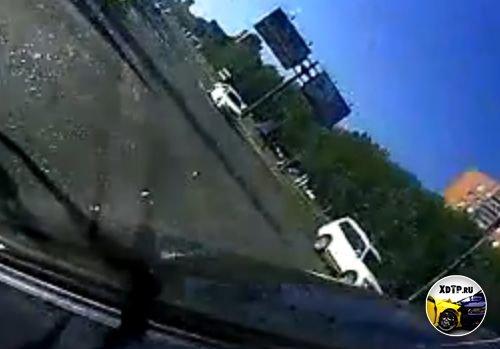 Авария в Тольятти, поворот налево.