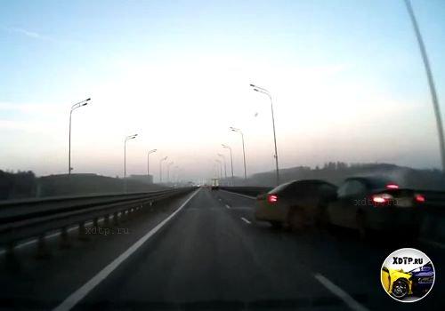 Авария в Ульяновске на Президентском мосту
