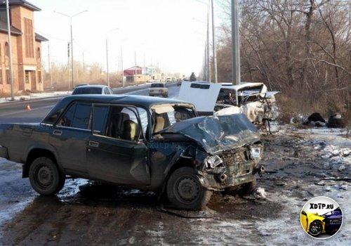 В Оренбургской области столкнулись КАМАЗ, копейка и семерка
