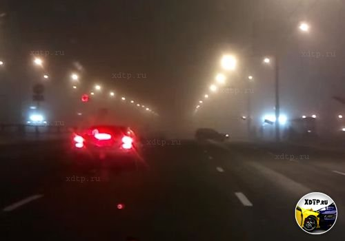 В Минске Хонда Цивик выскочил на остановку
