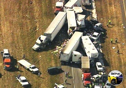 Полторы сотни автомобилей столкнулись в Техасе