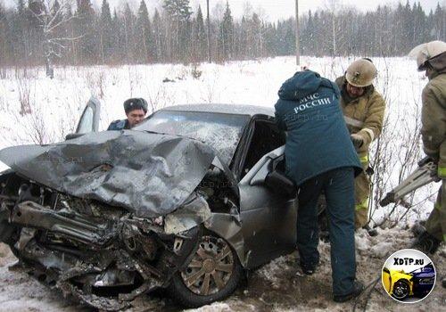 В Кировской области произошло лобовое столкновение двух ВАЗов