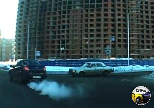 Авария в Санкт-Петербурге на пересечении ул. Маршала Казакова и пр. Кузнецова